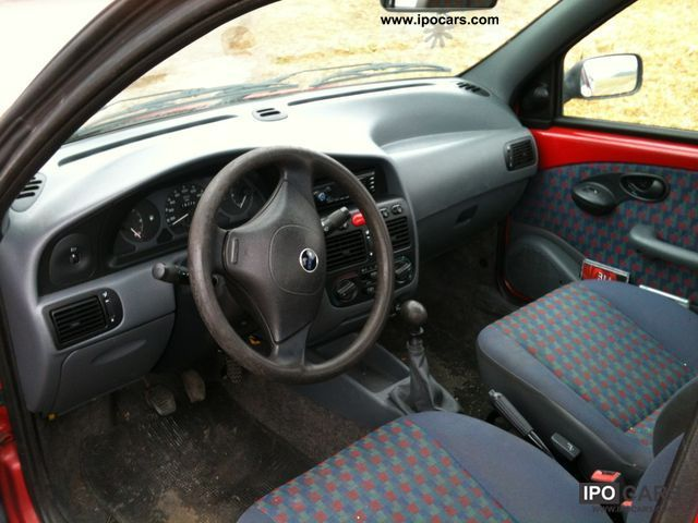 2001 Fiat Strada 1.9 D - Car Photo and Specs