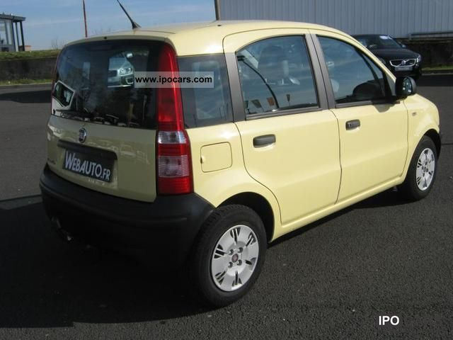 2010 fiat panda 1 2 8v team ii 5 car photo and specs. Black Bedroom Furniture Sets. Home Design Ideas