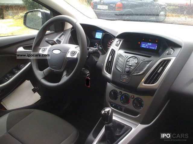 2011 Ford Focus 1.6 Ti-VCT trend - Car Photo and Specs