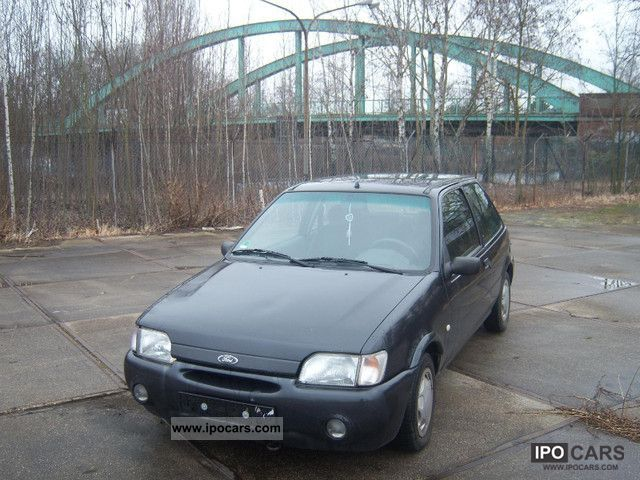 1997 Ford  Fiesta Classic Small Car Used vehicle photo