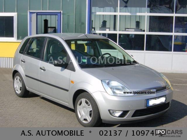 2002 Ford  Fiesta 1.3 Ghia\u003e Heater \u003c Small Car Used vehicle photo