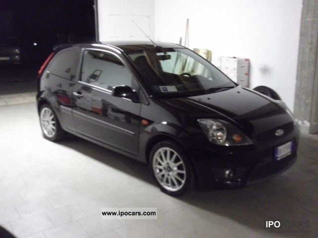 2007 ford fiesta 4 s car photo and specs. Black Bedroom Furniture Sets. Home Design Ideas