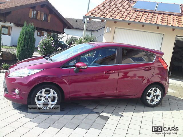 2009 Ford  Fiesta 1.25 Titanium first Hand hot magenta Small Car Used vehicle photo