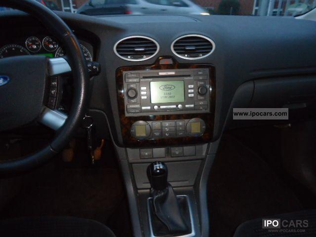 2005 Ford Focus Wagon Ghia automatic climate control cruise