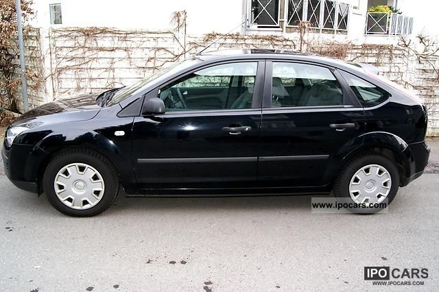 2006 Ford  Focus 1.6 TDCi DPF Fun Limousine Used vehicle photo