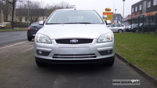 2007 Ford  Focus 1.6 TDCi Style Estate Car Used vehicle photo