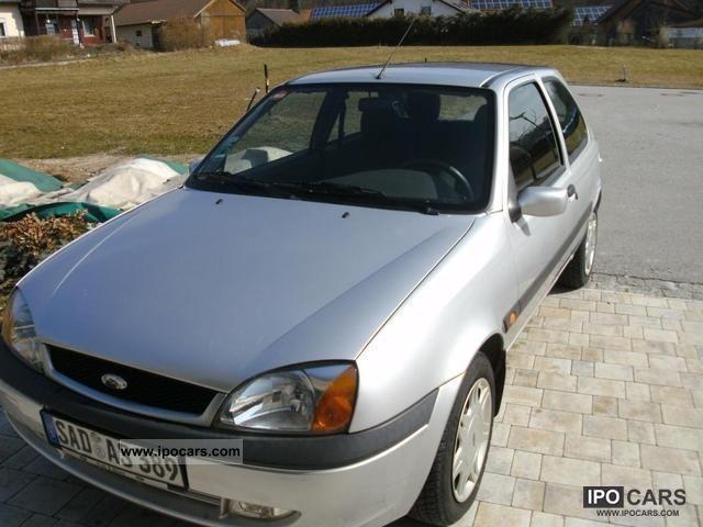 2001 Ford  Fiesta Futura Small Car Used vehicle photo