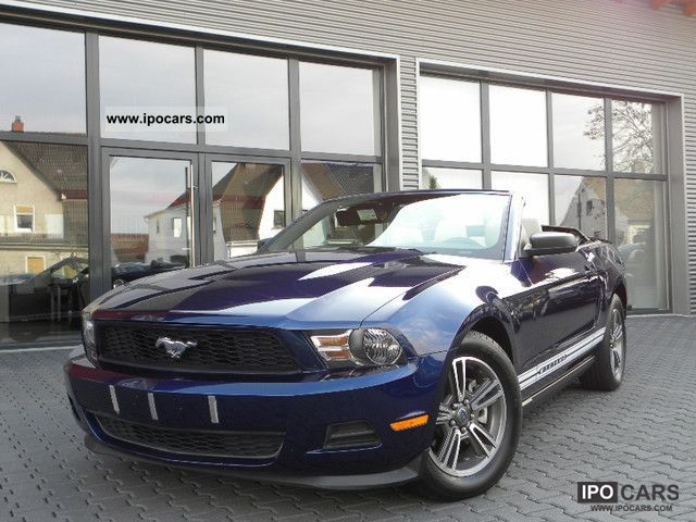 2010 Ford  Mustang Convertible / leather / dream state / model 11 Cabrio / roadster Used vehicle photo