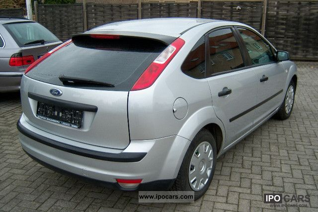 2006 ford focus 1 6 16v ambiente car photo and specs
