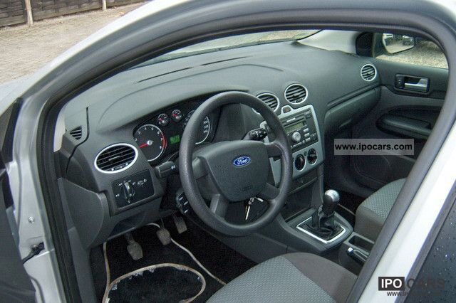 2006 Ford Focus 1.6 16V Ambiente - Car Photo and Specs