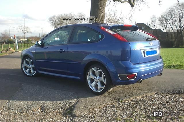 ford focus  st car photo  specs