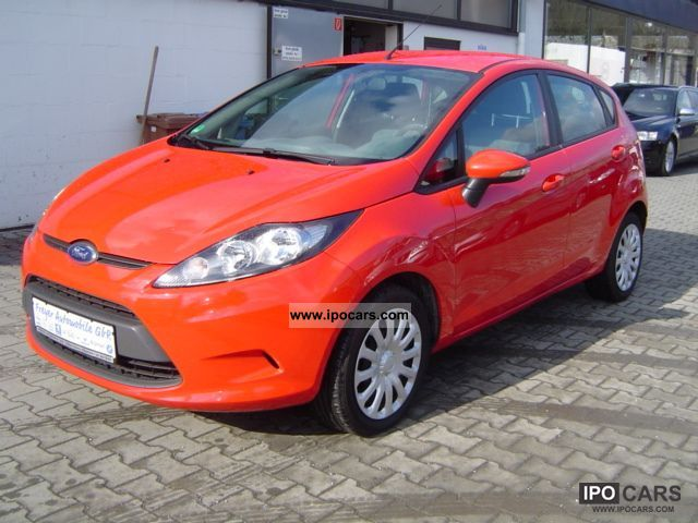2009 Ford  Fiesta 1.6 TDCi Ambiente Small Car Used vehicle photo