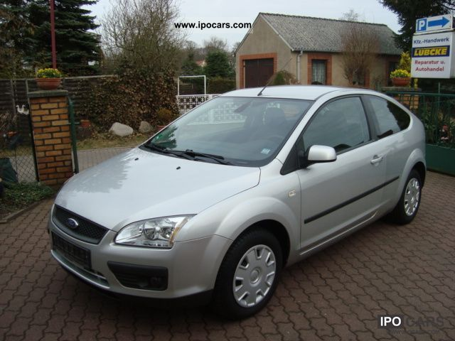 2006 Ford  Focus 1.6 TDCi Ambiente Limousine Used vehicle photo