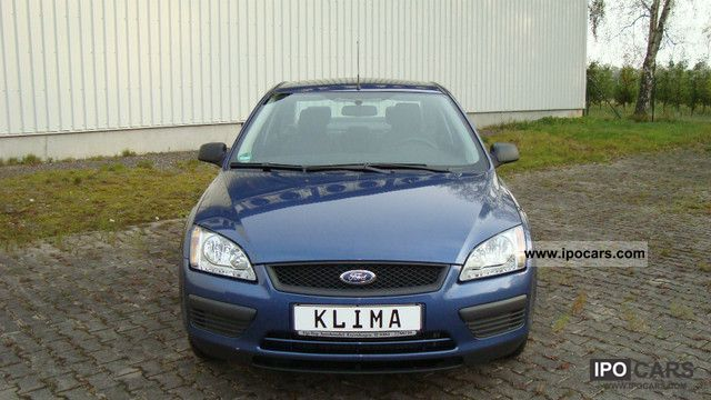 2006 Ford  Focus 1.6 16V vehicle 1Hand Neat! Limousine Used vehicle photo