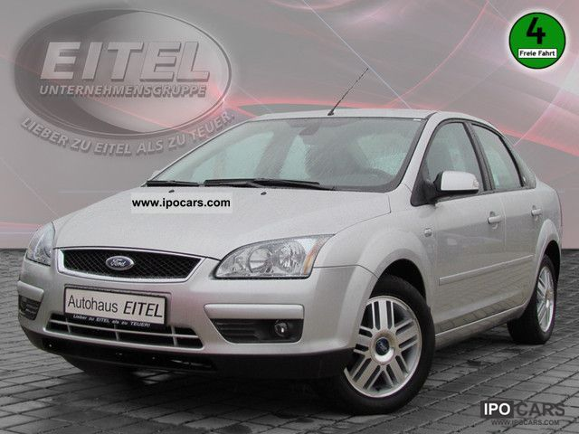 2006 Ford  Focus 1.6 Ghia LEATHER Limousine Used vehicle photo