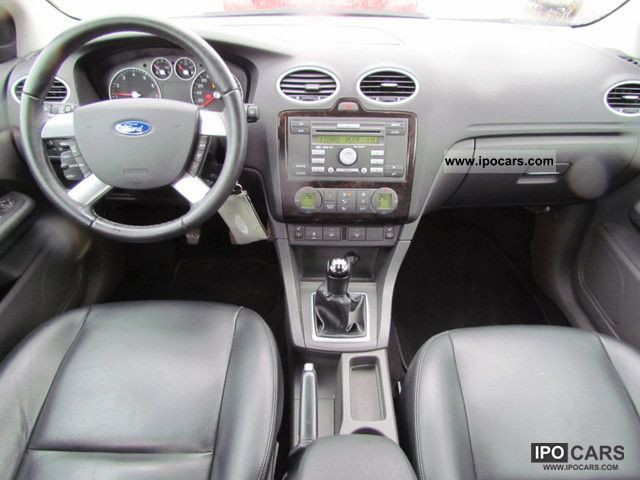 ford focus  ghia leather car photo  specs