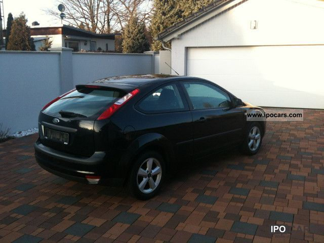 2005 ford focus 1 6 ti vct sports car photo and specs. Black Bedroom Furniture Sets. Home Design Ideas