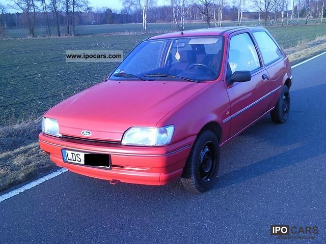 1994 Ford  Fiesta Small Car Used vehicle photo