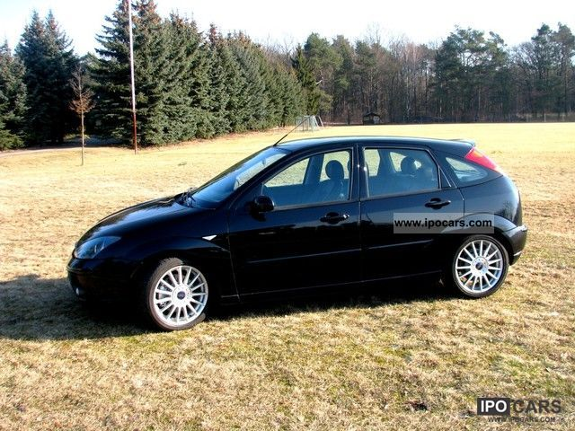 2002 Ford  Focus ST170 Limousine Used vehicle photo