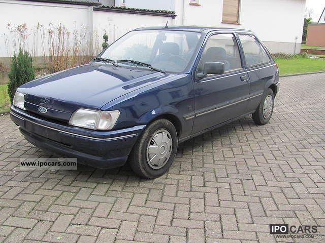1993 Ford  Fiesta Small Car Used vehicle photo