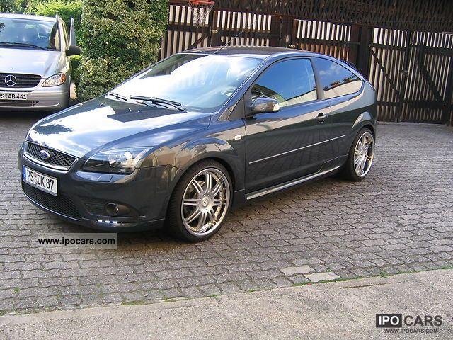 ford focus titanium   car photo  specs