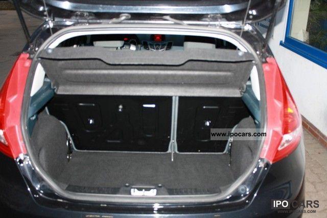 2011 Ford  Viva Fiesta 1.25 * RadioCD * Heated seats * Climate * LMF * Small Car Used vehicle photo
