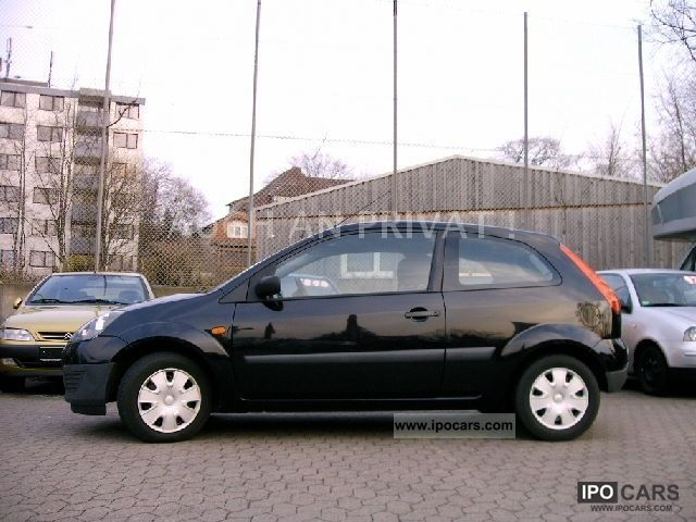ford fiesta  chic black climate