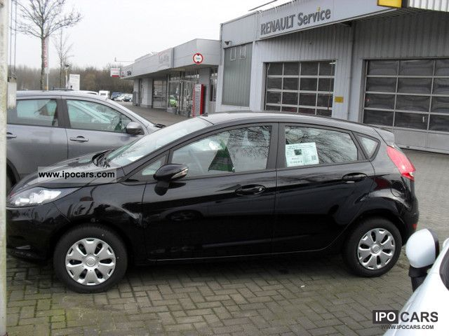 2012 Ford  Fiesta 1.25 CD climate Small Car Used vehicle photo