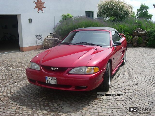 1995 Ford  Mustang GT Cabrio / roadster Used vehicle photo