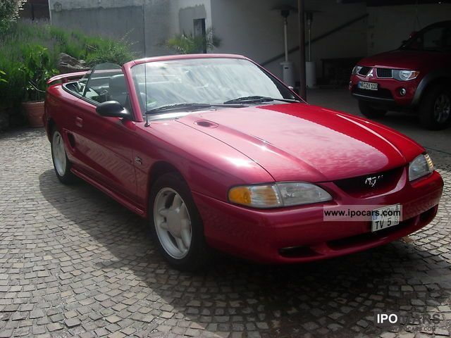 1995 ford mustang gt car photo and specs. Black Bedroom Furniture Sets. Home Design Ideas