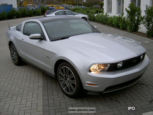 2010 Ford  Mustang Sports car/Coupe Used vehicle photo