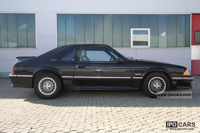 1988 Ford Mustang GT 5.0 V8 Sports car/Coupe Used vehicle photo 9