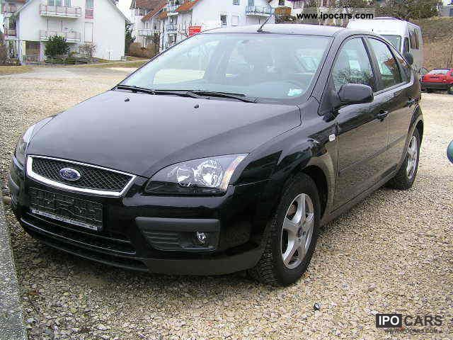 2005 Ford  Focus 1.6 16V Sport Limousine Used vehicle photo