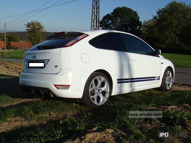 2009 Ford Focus ST, VOLLAUSST., LEATHER, XENON, NAVI, BLUETOOTH - Car Photo and Specs