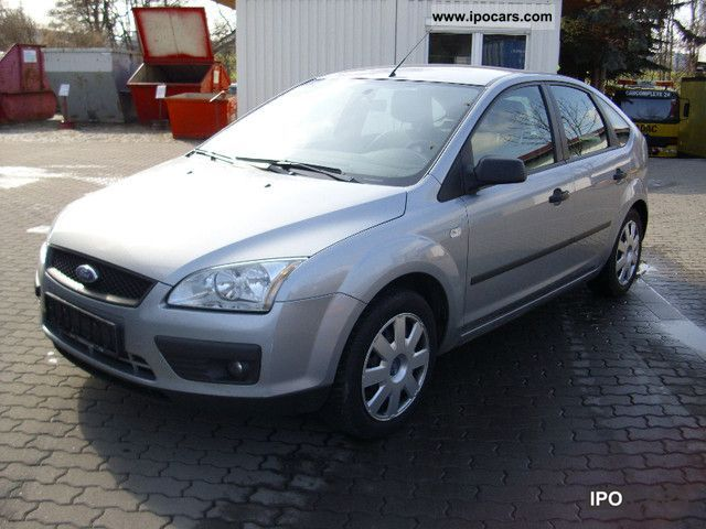 2005 ford focus 2 0 tdci trend car photo and specs. Black Bedroom Furniture Sets. Home Design Ideas