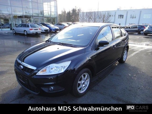 2010 Ford  Focus 1.6 MOD. 2011-29300 KM - CLIMATE Limousine Used vehicle photo