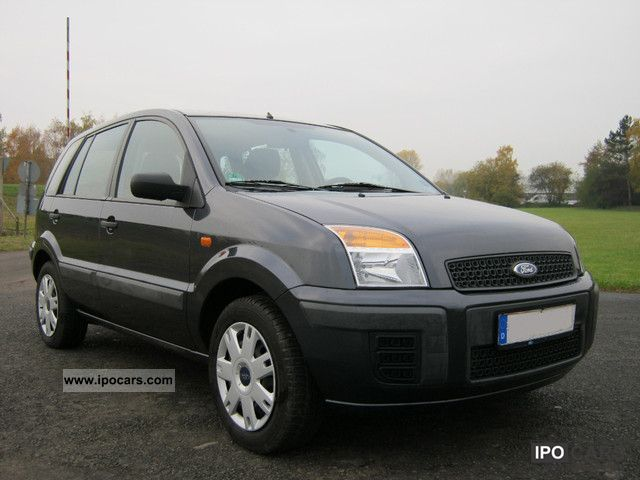 2009 Ford  Fusion 1.4 Style Small Car Used vehicle photo