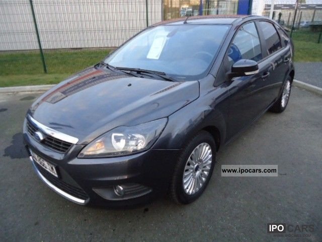 2010 Ford  Focus 1.8 Titanium TDCi115 5p Limousine Used vehicle photo