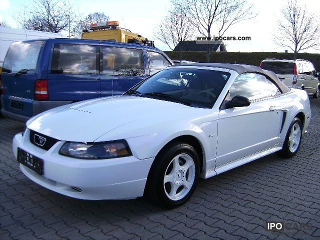 2004 Ford  Mustang in white, air, 79.000TKM! Cabrio / roadster Used vehicle photo