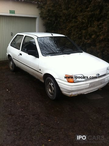 1989 Ford  Fiesta Small Car Used vehicle photo