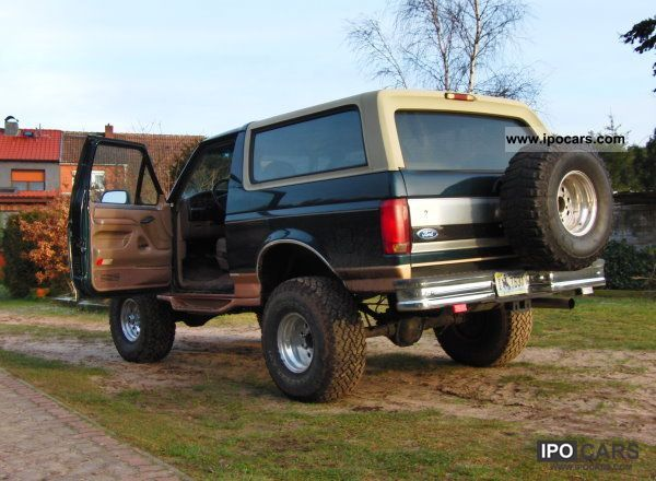 1995 Ford Bronco - Car Photo and Specs