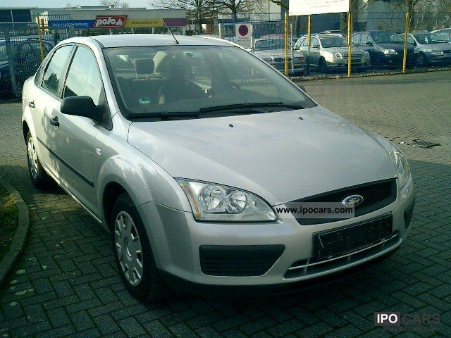 2006 Ford  Focus 1.6 16V Trend (AIR + EURO 4) Limousine Used vehicle photo