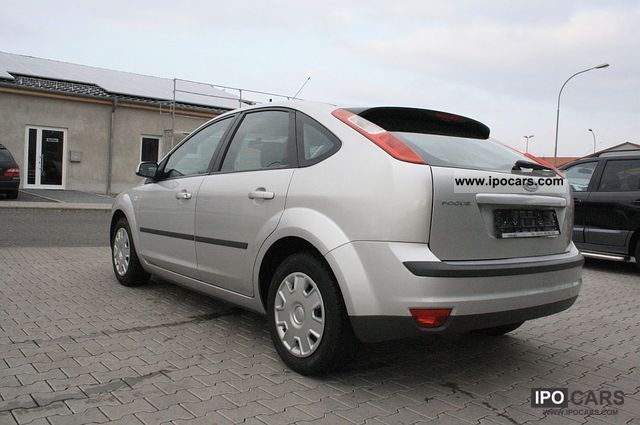 2006 ford focus 1 6 16v air 2 hand car photo and specs. Black Bedroom Furniture Sets. Home Design Ideas