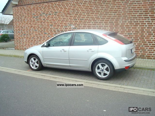 2006 ford focus 1 6 16v connection car photo and specs. Black Bedroom Furniture Sets. Home Design Ideas