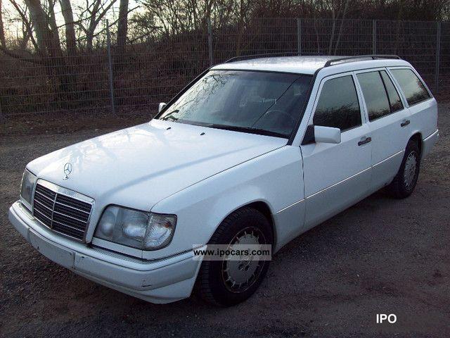 1993 Mercedes-Benz  250 TD Estate Car Used vehicle photo