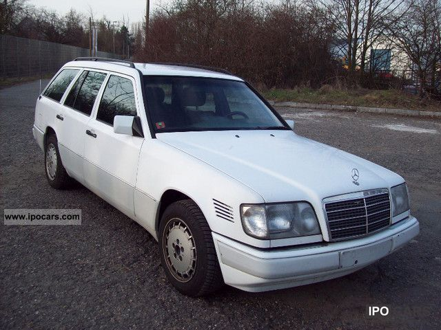 1993 mercedes benz 250 td car photo and specs. Black Bedroom Furniture Sets. Home Design Ideas