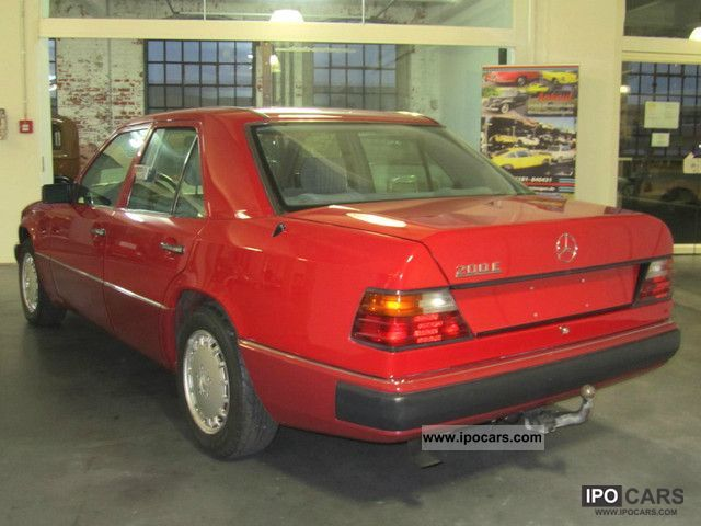 1993 Mercedes-Benz  E 200 Limousine Used vehicle photo