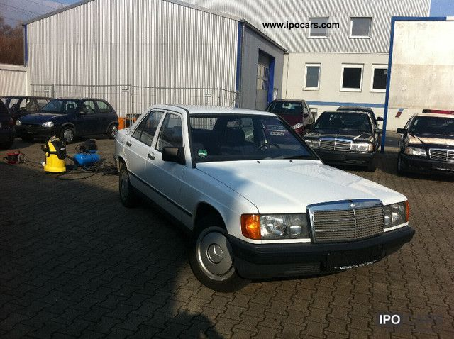 1987 Mercedes-Benz  190 E Limousine Used vehicle photo