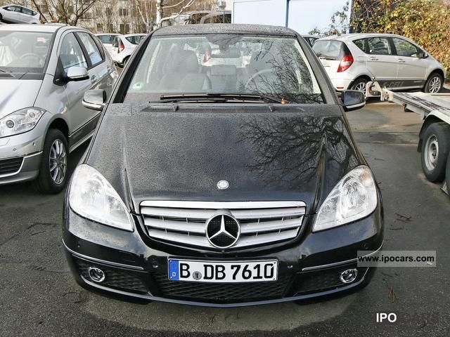 2011 Mercedes-Benz  A 180 Avantgarde Sitzhzg PDC. Limousine Demonstration Vehicle photo