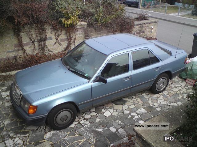 1986 Mercedes-Benz  200 D Limousine Used vehicle photo